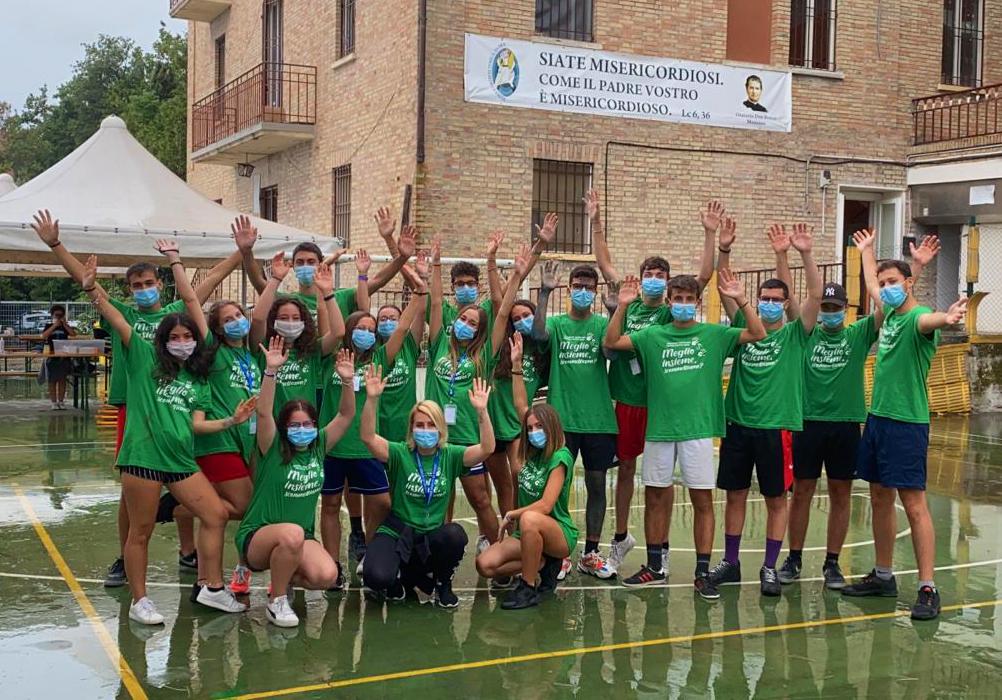 Vivere l'emergenza e reagire: giovani in prima linea