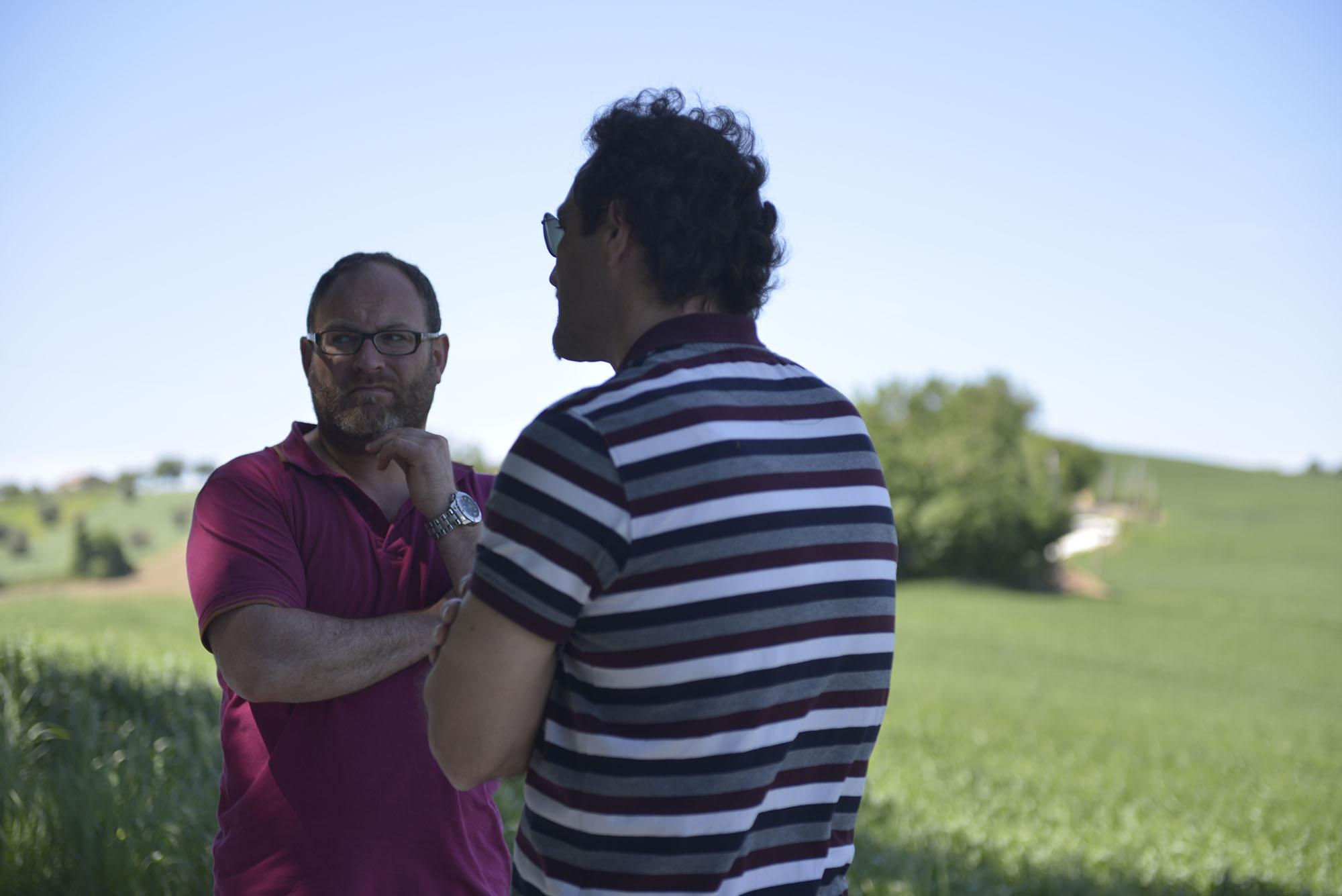 """""""Siate la polpa rossa dell'anguria spaccata in mezzo alla tovaglia bianca"""" (Alfonso Gatto)"""